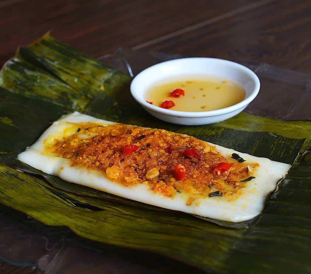 Du lịch miền Trung nhất định phải thử món bánh nậm Huế